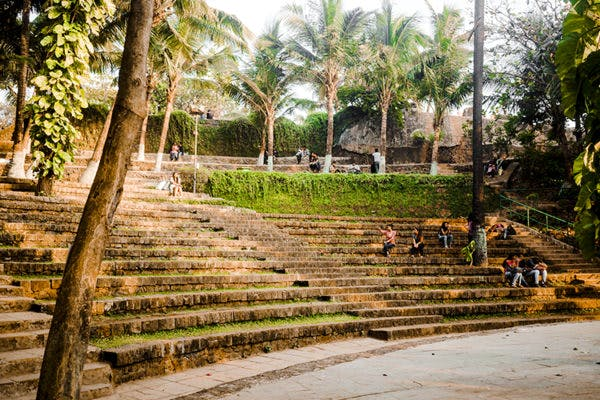 Top Five Places to Read a Novel in Mumbai
